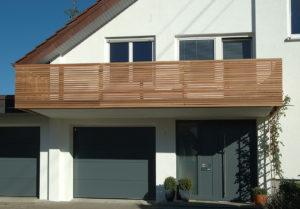 Individueller Holz Balkon