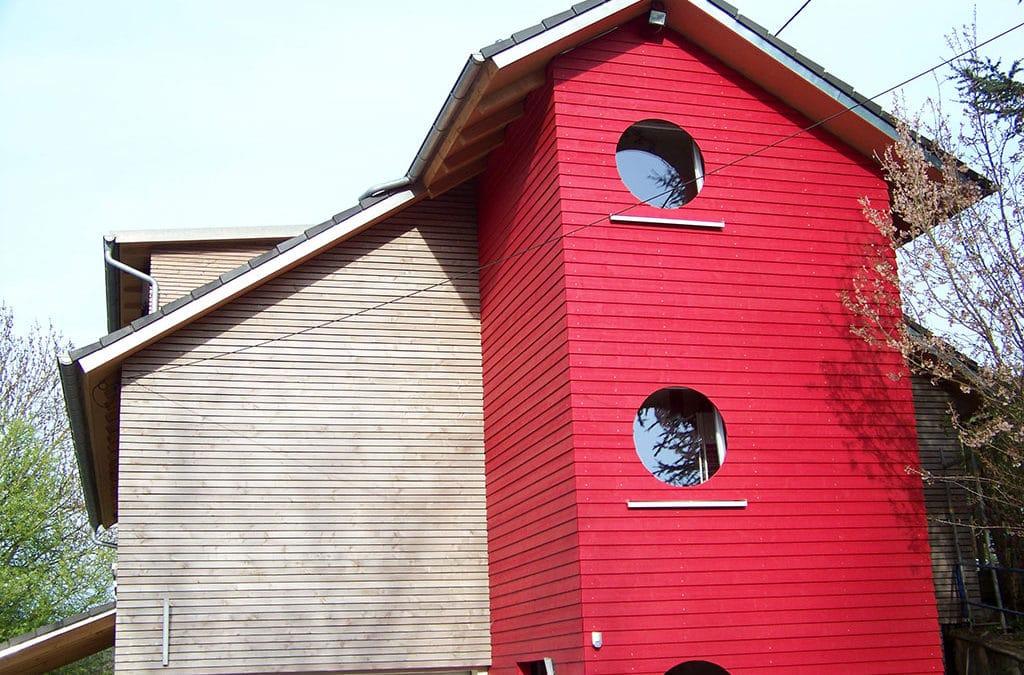 Farbige Fassade Holz