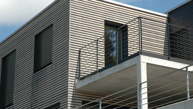 Hochwertige Fassade Holz