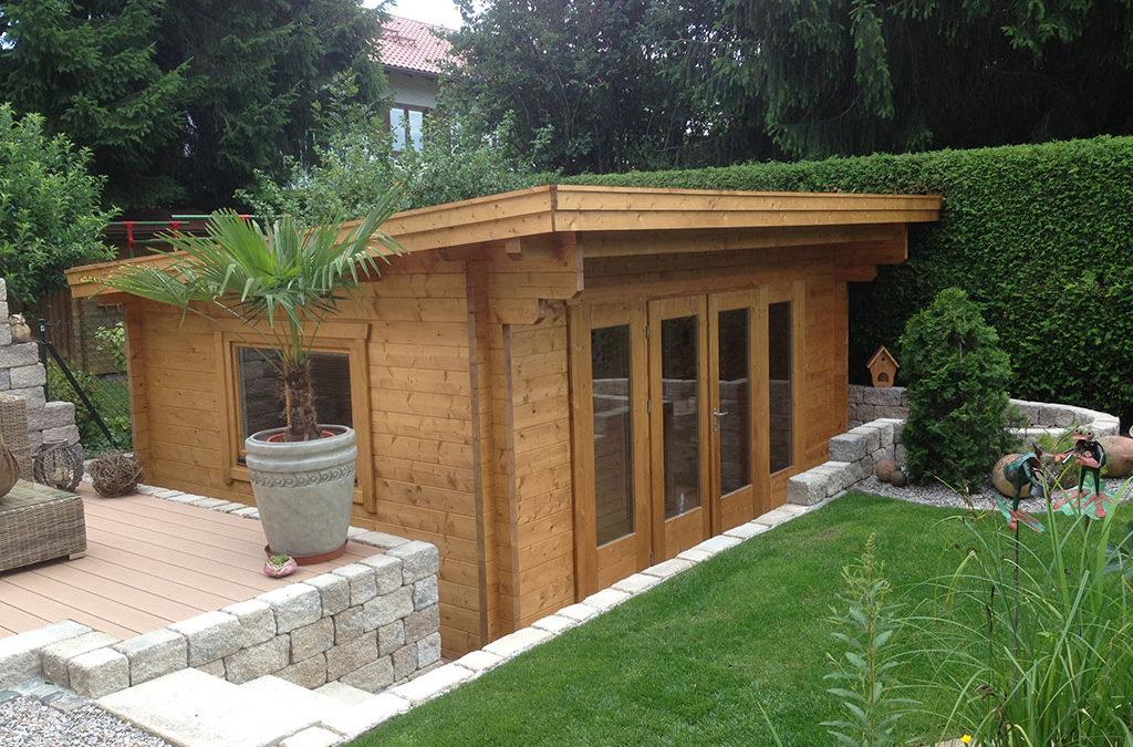 Eingepasstes Holz Gartenhaus