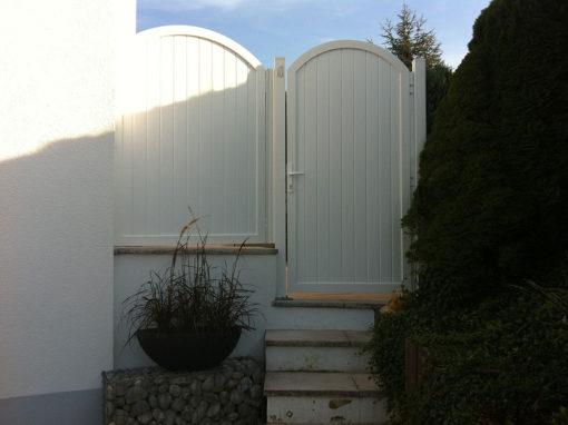 Weißer Sichtschutz Türe