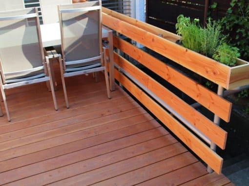 Terrasse und Geländer
